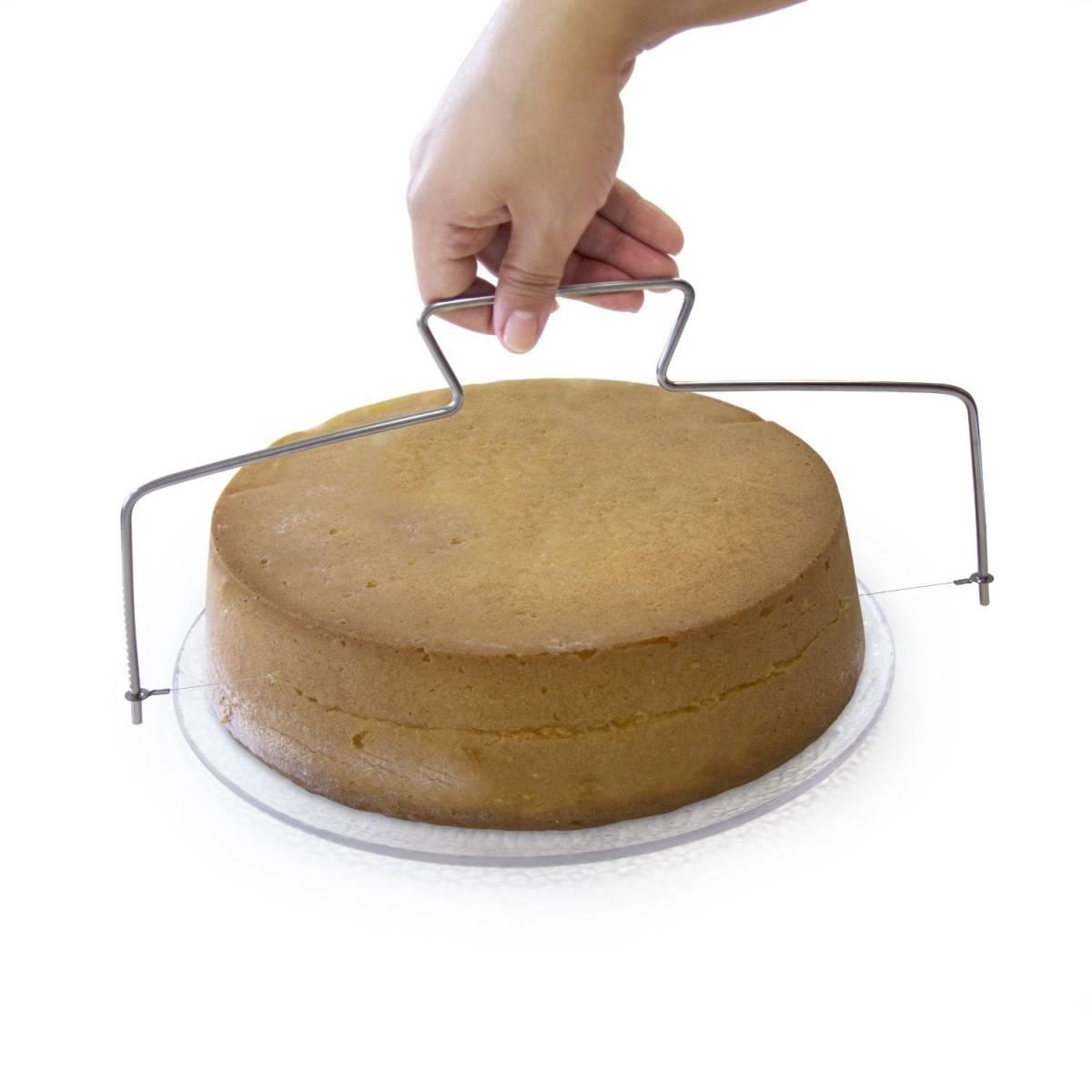 Lily Cook - Lyre à Gâteau et Genoise